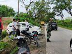 lokasi-kecelakaan-3-kendaraan-di-desa-suato-tatakan-kabupaten-tapin-kalsel-senin-05042021-22.jpg