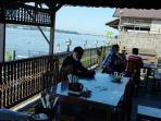 lokasi-wisata-kuliner-di-bantaran-sungai-mentaya-sampit1.jpg