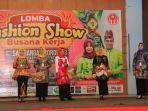 lomba-fashion-show-busana-kerja-karyawankaryawati.jpg