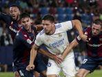 luka-jovic-liga-spanyol-levante-vs-real-madrid.jpg