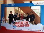mahasiswa-peserta-berfoto-di-photo-booth-pertamina-goes-to-campus-2018_20180515_151908.jpg