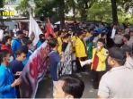 mahasiswa-suarakan-penolakan-ruu-omnibus-law.jpg
