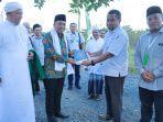 manager-pt-arutmin-indonesia-site-batilicin-menyerahkan-alquran-kepada-bupati-tanahbumbu.jpg