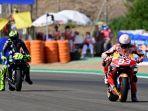 marc-marquez-valentino-rossi-motogp-spanyol-2020-lalu.jpg