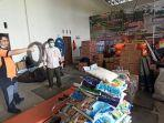 meninjau-gudang-logistik-untuk-penanganan-bencana-banjir-di-balangan-banjir-kalsel.jpg