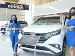 mobil-baru-di-showroom-dealer-wira-toyota-banjarbaru.jpg
