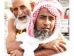 mohammed-rasheed-menggendong-ayahnya-selama-ibadah-haji_20170902_082014.jpg
