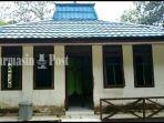 musala-di-objek-wisata-lok-laga-haruyan-kabupaten-hulu-sungai-tengah-hst-kalsel.jpg