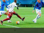 nicolas-pepe-saat-molde-vs-arsenal-di-aker-stadion-dalam-matchday-ke-4-liga-europa.jpg