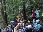 panorama-alam-gunung-kahung-di-desa-belangian-kecamatan-aranio-kabupaten-banjar.jpg
