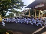 para-karateka-shotokai-kalsel-saat-berlatih.jpg