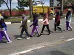 para-pelajar-smpn-9-banjarmasin-sedang-berlatih-gerak-jalan.jpg