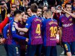 para-pemain-barcelona-merayakan-gol-yang-dicetak-lionel-messi.jpg