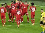 para-pemain-bayern-muenchen-merayakan-gol-robert-lewandowski-pada-laga-der-klassiker.jpg