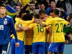 para-pemain-brasil-merayakan-gol-yang-dicetak-oleh-neymar_20180613_144800.jpg
