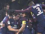 para-pemain-paris-saint-germain-merayakan-gol-angel-di-maria_20180115_072249.jpg