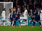para-pemain-paris-saint-germain-psg-berselebrasi-setelah-mencetak-gol.jpg