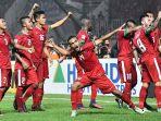 para-pemain-timnas-indonesia-merayakan-gol-hansamu-yama_20161214_224034.jpg