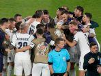 para-pemain-timnas-italia-merayakan-kemenangan-atas-turki-euro-2020.jpg