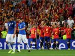 para-pemain-timnas-spanyol-merah-merayakan-gol-isco_20170903_074243.jpg