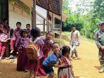 para-siswa-sd-kecil-sisirin-desa-uren-kecamatan-halong.jpg