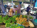 pasar-buah-sungai-lulut-perbatasan-banjarmasin-dan-kabupaten-banjar-kalsel.jpg