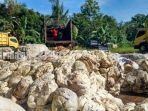 pasar-karet-rakyat-jalan-pelita-rt-7-kelurahan-agung-kabupaten-tabalong-kalsel-jumat-11122020.jpg