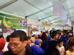 pasar-murah-di-lapangan-parkir-gedung-kementerian-perdagangan-jakarta-rabu-762017_20170607_171906.jpg