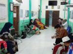 pasien-duduk-nyam-tapura-1.jpg