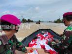 pasmar-1-jakarta-antarkan-bantuan-presiden-ri-ke-martapura-kabupaten-banjar-20012021.jpg