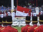 pasukan-pengibar-bendera-pusaka-paskibraka-mengibarkan-bendera-merah-putih.jpg