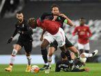 paul-pogba-manchester-united-vs-granada-liga-eropa-europa-league.jpg