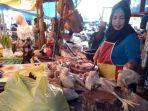 pedagang-ayam-di-pasar-hanyar-barabai_20180618_193421.jpg