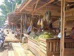 pedagang-buah-di-pasar-buah-pelaihari.jpg