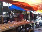 pedagang-di-pasar-martapura-kabupaten-banjar-sibuk-beraktivitas.jpg
