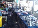 pedagang-ikan-di-pasar-ikan-kotabaru.jpg