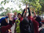pelajar-binaan-kabinaktar-polres-banjar-gelar-apel-hari-aids-sedunia_20171201_092928.jpg