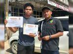 pelatih-di-tim-atletik-kabupaten-balangan-setyawan-pamungkas-kanan-20022021.jpg