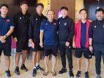 pelatih-timnas-indonesia-shin-tae-yong-timnas-vietnam-park-hang-seo.jpg
