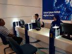 pelayanan-petugas-customer-service-di-xl-center-banjarmasin_20180809_172520.jpg
