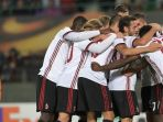 pemain-ac-milan-merayakan-gol-yang-dicetak-andre-silva-ke-gawang-austria_20170915_073545.jpg