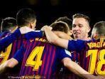 pemain-barcelona-merayakan-gol-ivan-rakitic.jpg