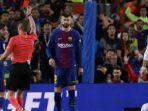pemain-barcelona-sergi-roberto-diganjar-kartu-merah_20180507_070228.jpg