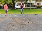 pemain-petanque-kabupaten-banjar-melemparkan-boule-bola-besar-26122020-11.jpg