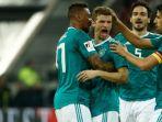 pemain-timnas-jerman-merayakan-gol-thomas-mueller_20180324_063205.jpg