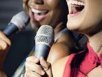 pemandu-lagu-karaoke_20180705_081833.jpg