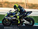 pembalap-monster-energy-yamaha-valentino-rossi-berlatih-dengan-motor-yamaha-r.jpg