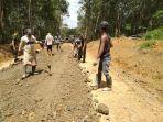 pembangunan-jalan-desa-hayup-kecamatan-haruai.jpg