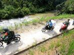 pendistribusian-logistik-pilgub-kalsel-desa-haratai-loksado-kabupaten-hss-selasa-08122020.jpg