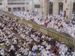 pengajian-guru-zuhdi-di-masjid-jami-banjarmasin_20161229_214559.jpg